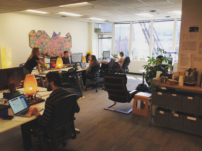 COME COWORK WITH US!